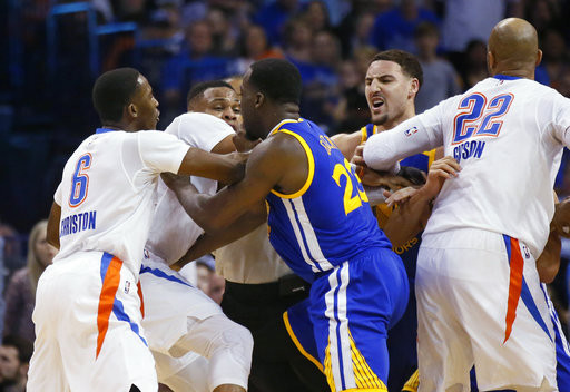 Thompson's 34 help Warriors top Thunder in chippy game
