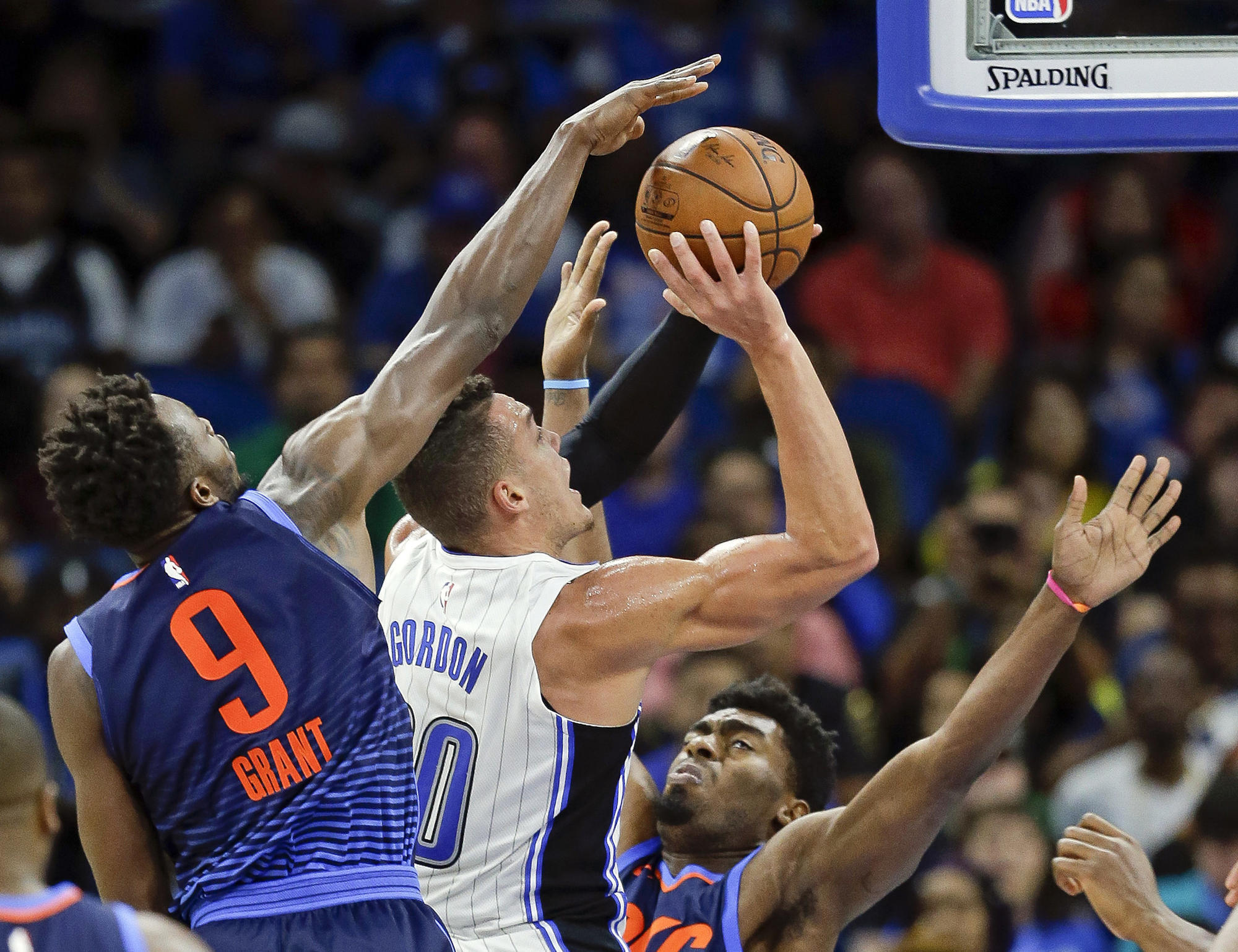 Orlando ends losing streak with victory over Thunder