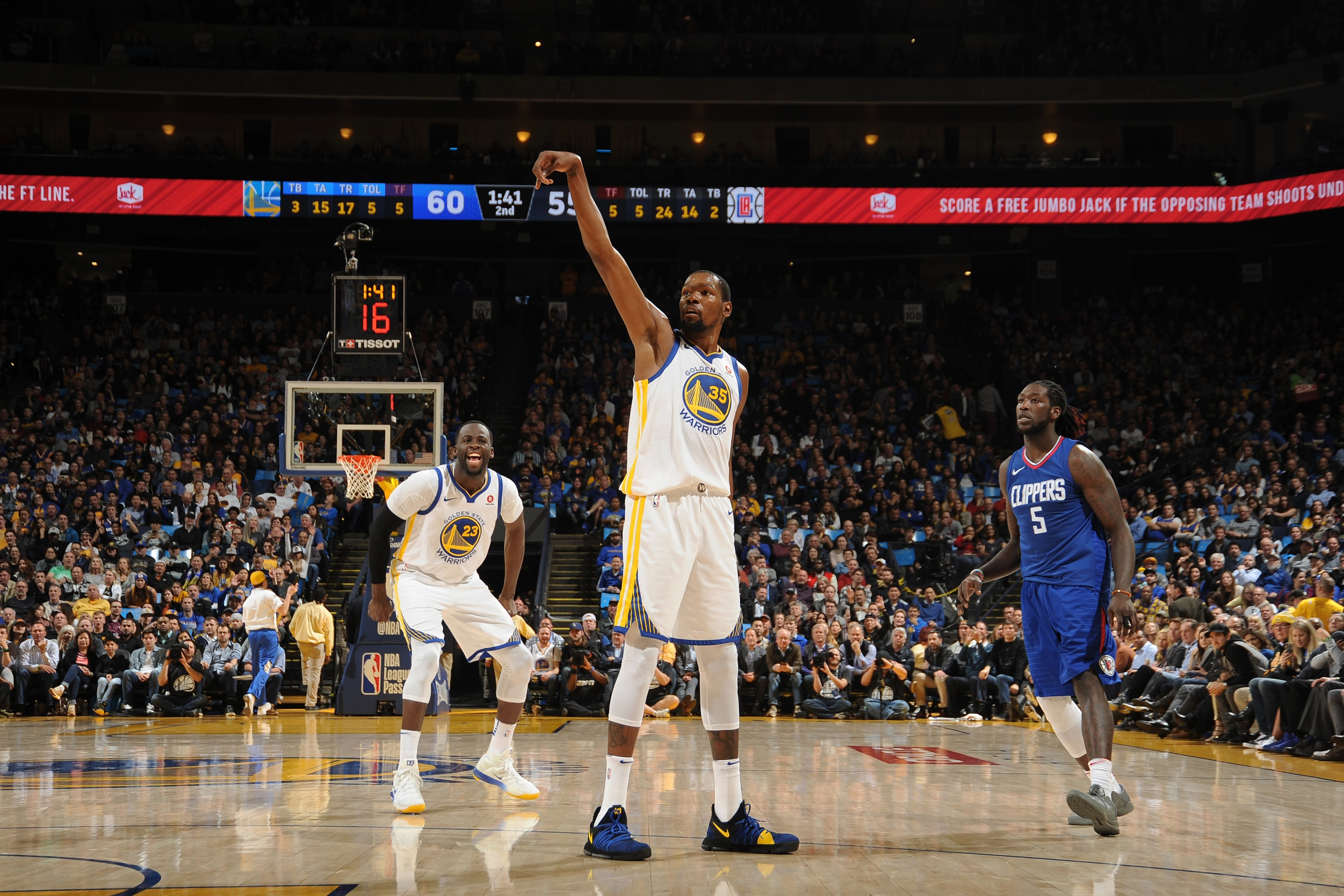 Durant reaches 20,000 career points