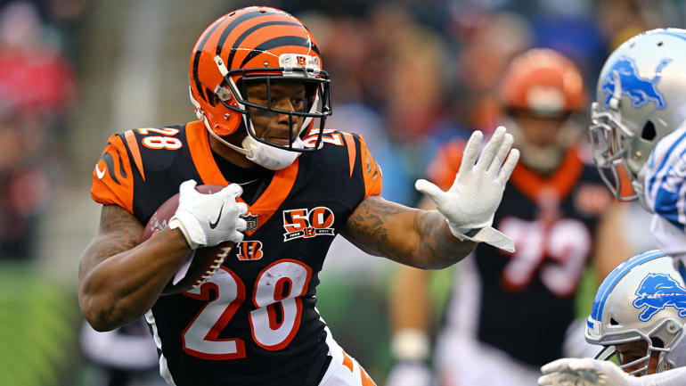 Mixon moves into bigger role with Bengals