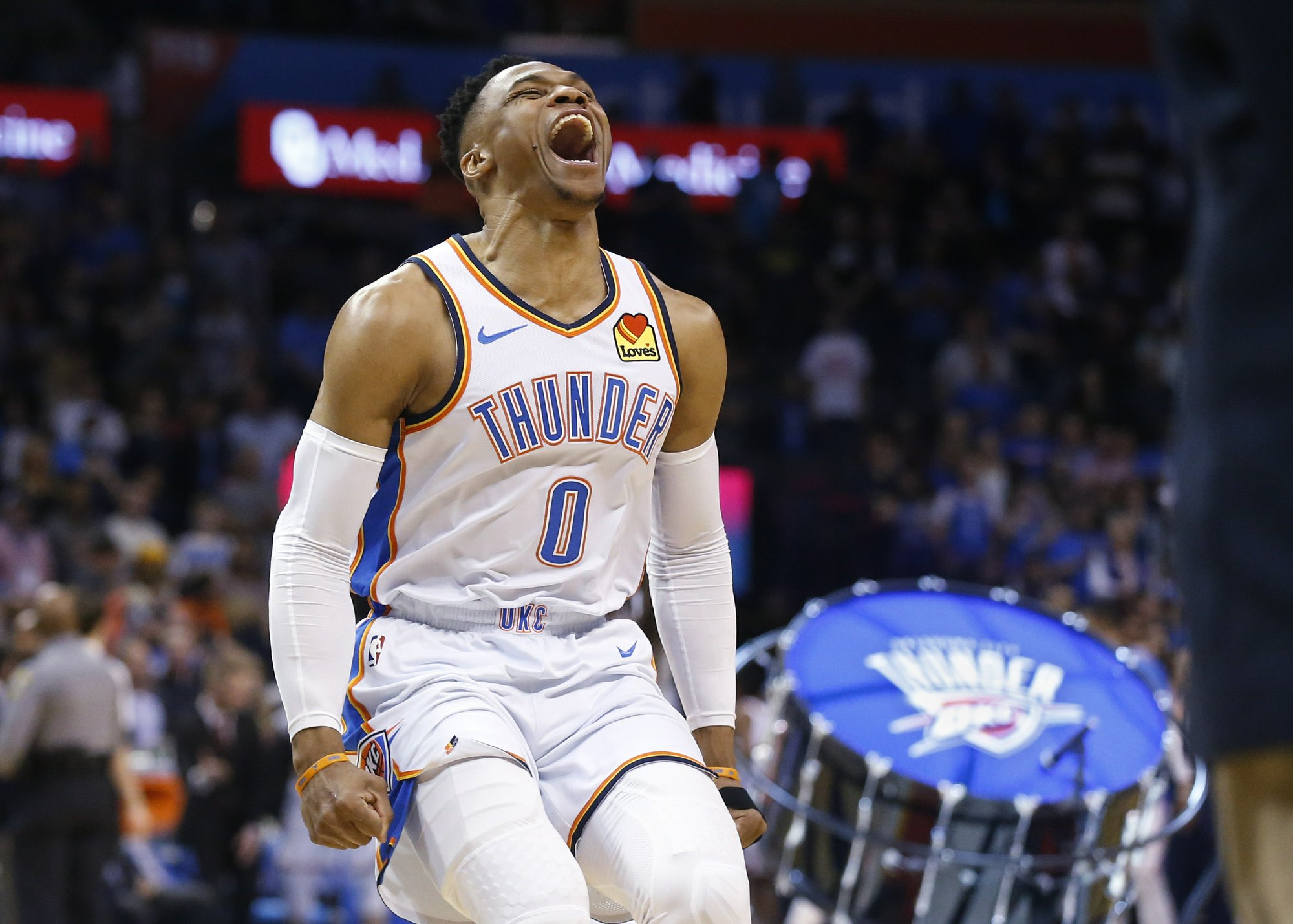 Westbrook records triple-double, leads Thunder past Lakers