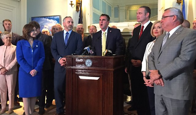 Governor, legislative leaders reach compromise on education funding