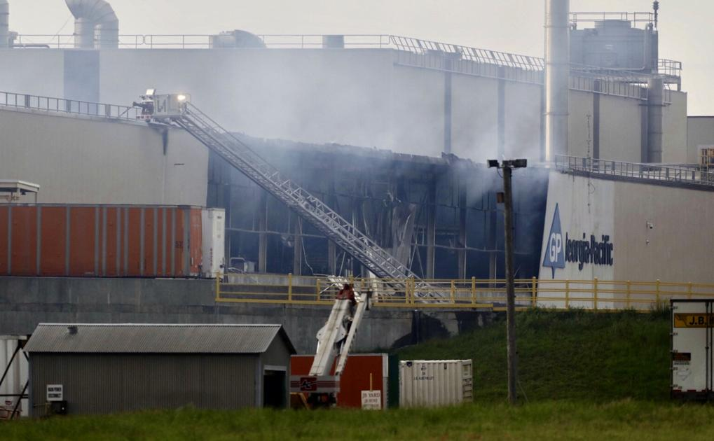 Paper mill explosion injures five workers