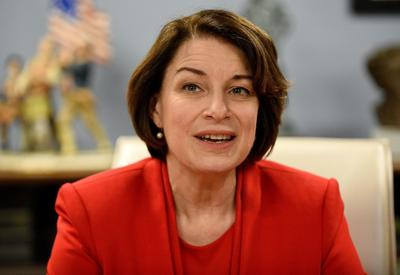 Klobuchar heads to Midwest after Nevada caucuses